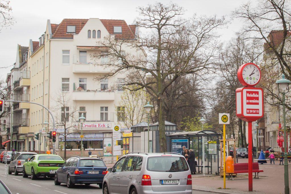 Pichelsdorfer Str. mit Blick auf den Metzer Platz